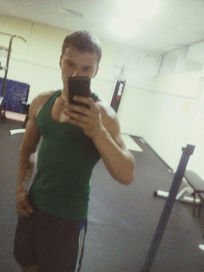 Я в фитнес зале)