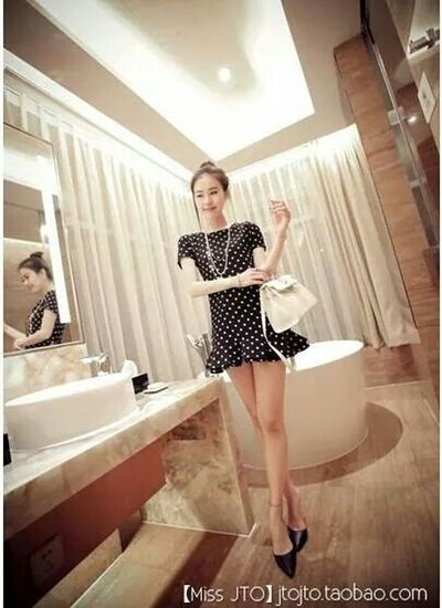 Short Polkadot Dress with Shortsleeve Cute 15.00 USD Forsale Selling Online Shopping  Onlineshop White_elephant_trove For Sale