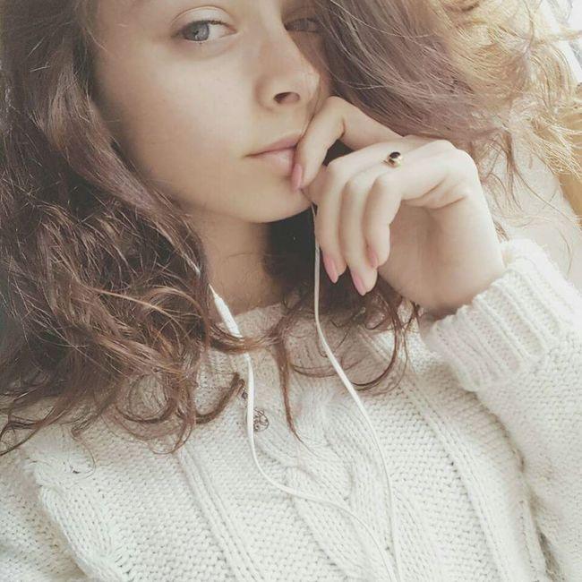 Taking Photos Check This Out Hello World Relaxing Hi! Enjoying Life Blue Eyes That's Me Sweet Girl Dream Girl Snapchat Me Look Into My Eyes... Girl #me #eyes #lips French Girl Selfie Portrait Girls Just Wanna Have Fun :) Phototakenbyme Eyeem France Girl #me Eyes Lips [