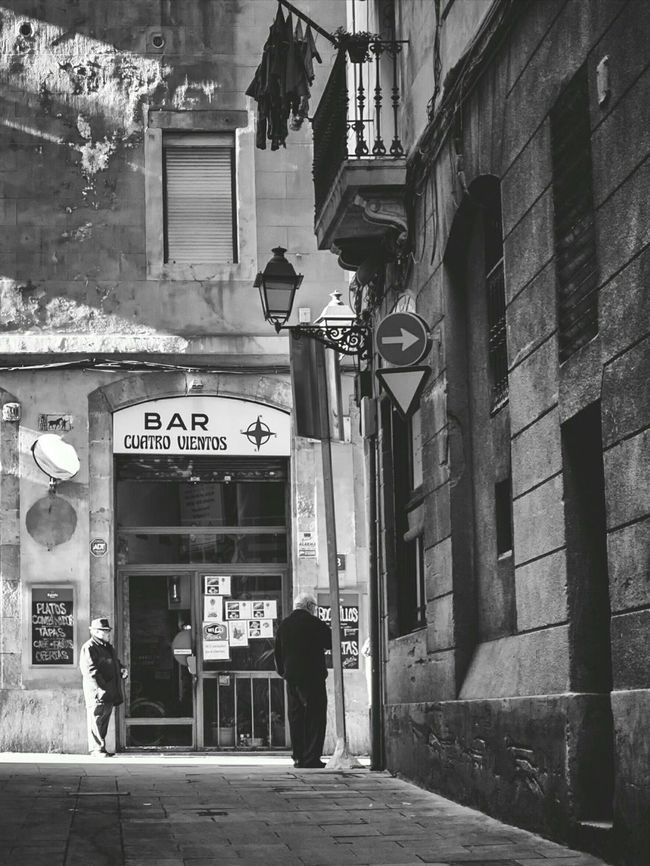 Barcelona Streets Bcn - El Raval Bcnexplorers Bnw_captures Barcelona♡ Barcelonainspira Blackandwhite Photography Taking Photos EyeEm Gallery Bnw_collection Bnw_demand Streetphoto_bw Streetphotography_bw Eyem Gallery