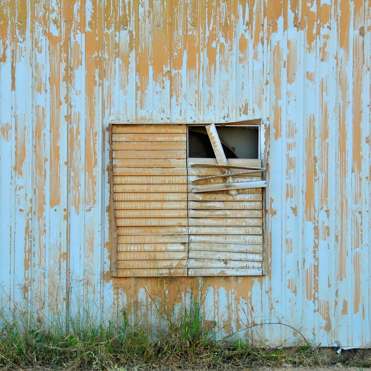 Window of opportunities. Architecture Built Structure House Building Exterior Window Jacob Ychye Photography JacobYchye Jacob Ychye Bad Condition No People Wood - Material Residential Building Damaged Day Outdoors Nature EyeEmNewHere
