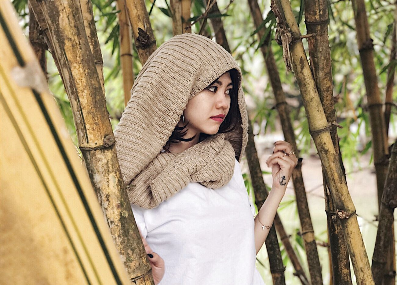 Beautiful People Beauty Beauty In Nature Day Girl Human Body Part Nature Nature Only Women Outdoors People Photographer Photography Portrait Portrait Of A Woman Tree Tree Trunk V Vietnamesegirl View Yellow Young Adult