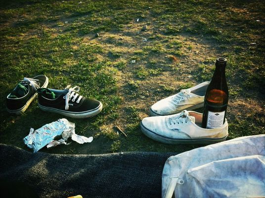Couple shoes at Görlitzer Park by Sara Furlani