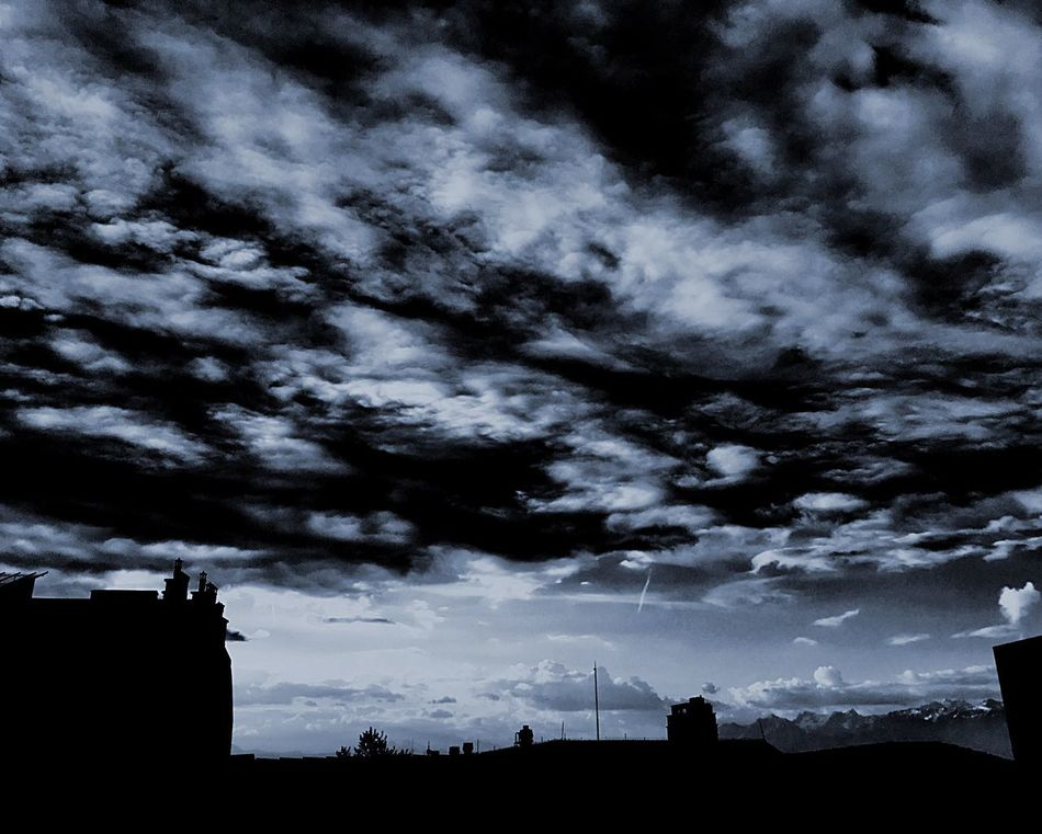 Ciel Clouds Sky Himmel Cielo Cielo Y Nubes  Nubes Blue Blu Storm Cloud Good Morning Building Exterior Architecture Outdoors Beauty In Nature Cityscape City No People Perspective Dalla Finestra Blauer Himmel Black And White Bianco E Nero Great Atmosphere Art Is Everywhere