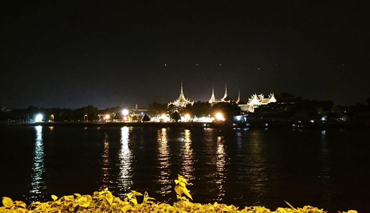 hello bangkok Night Water Night View Bangkok Grand Palace Bangkok Thailand Watphakaew