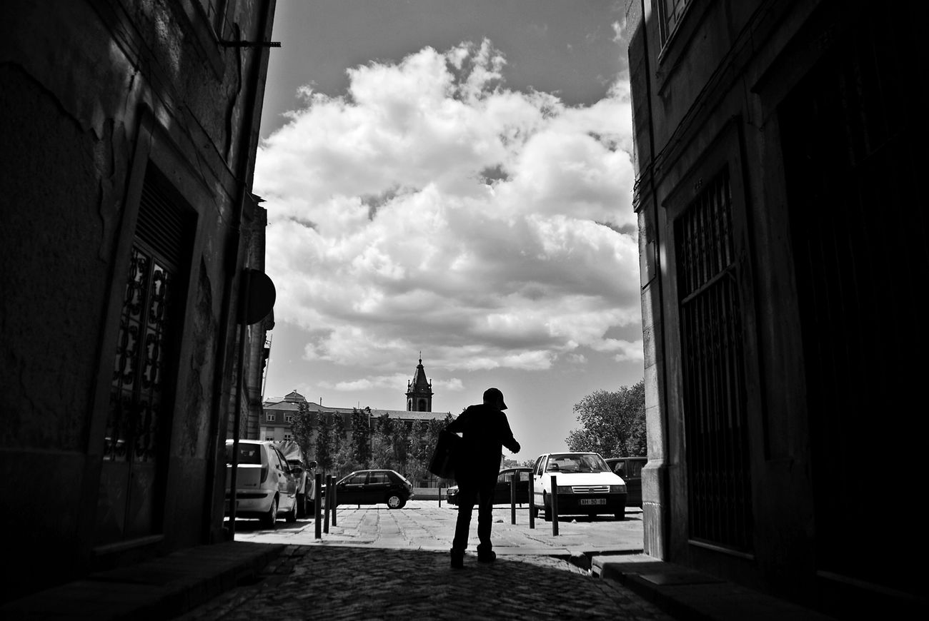 Streetphotography Thestreetphotographer EyeEn Porto B&w Street Photography EyeEm Porto B&w Photography Capture The Moment Street Photography Blackandwhite Blackandwhite Photography Monochrome