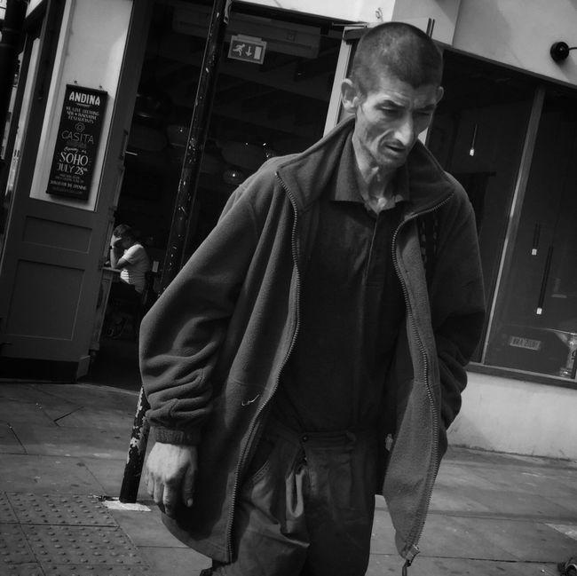 Walking Around Streetphotography Blackandwhite Flaneur Ricoh Gr Blancoynegro Streettogs Streetphoto_bw NEM Black&white Streetphotography_bw London Monochrome Street Street Life Black And White