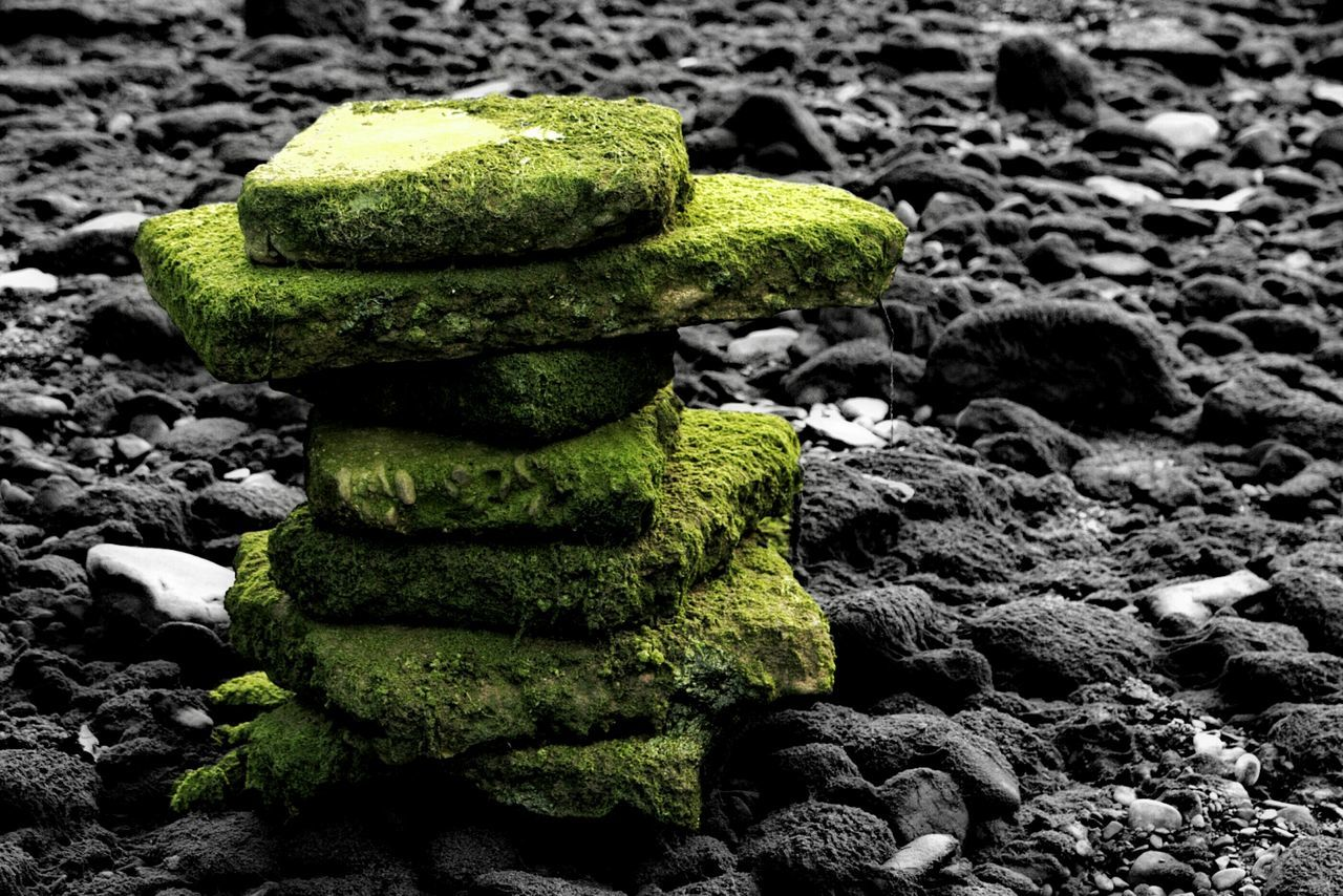 green color, rock - object, no people, stack, moss, close-up, outdoors, day, pebble, textured, nature
