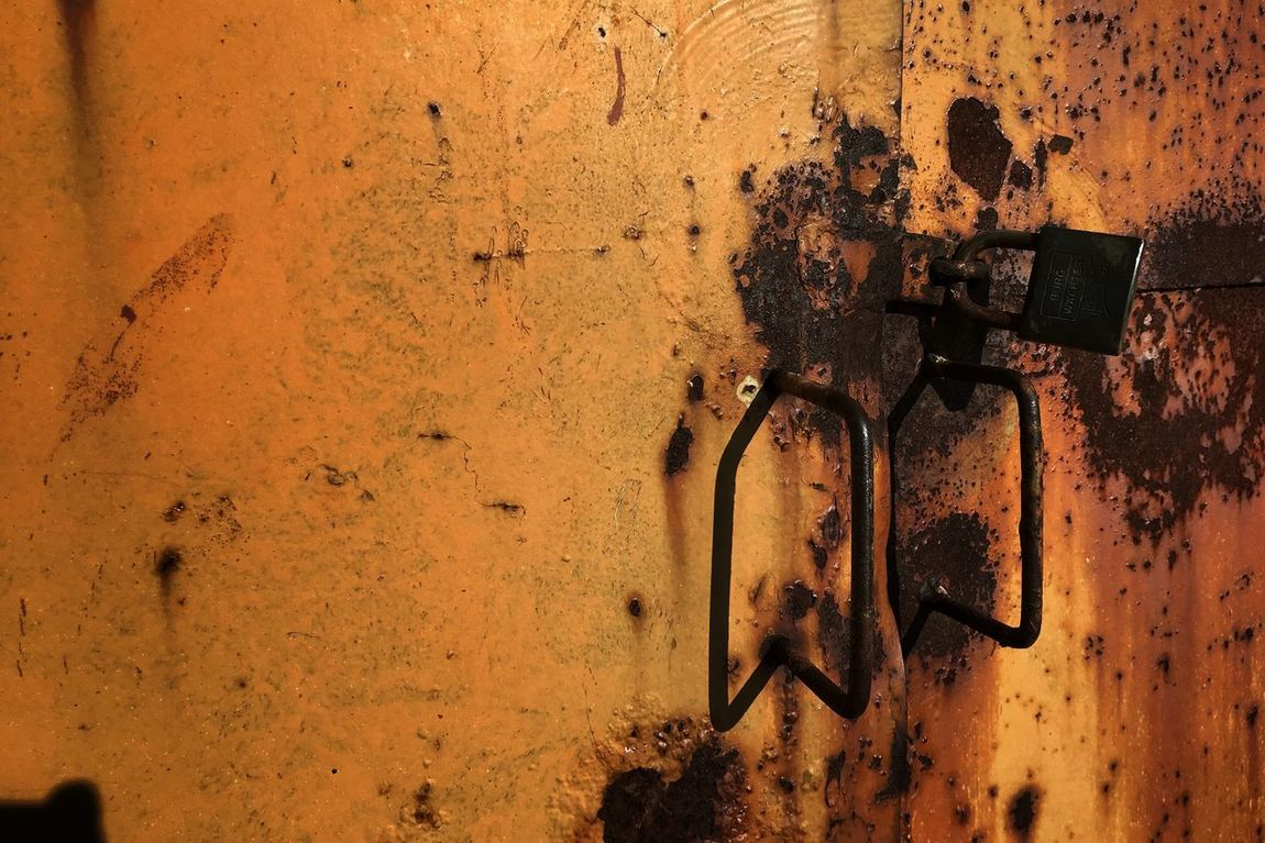 Just around me... ~5 No People Metal Close-up Outdoors Day Eye4photography  My Point Of View Details Painted Steel Details Textures And Shapes Textured  Rusty Surface Rusty Rusty Metal Lock Doors Metal Door Metalwork IMography IPhone SE