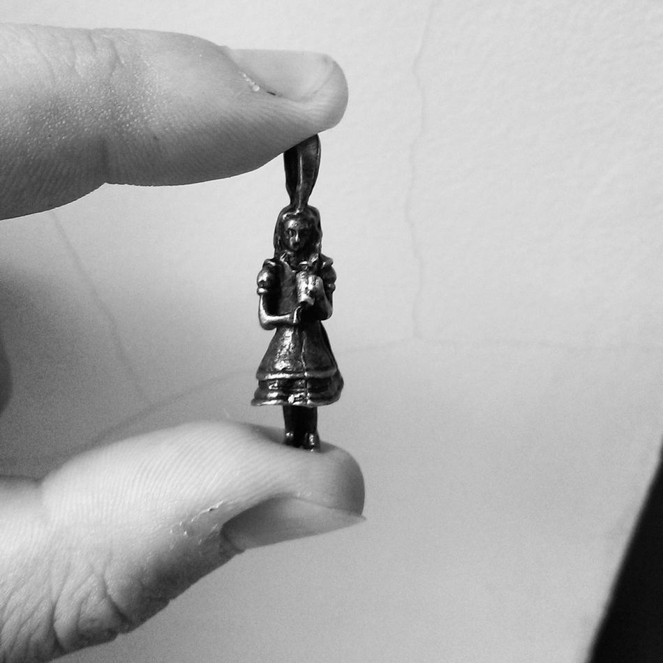 Alice in Wonderland Alice In Wonderland A Ferrytale Bw Jewelry