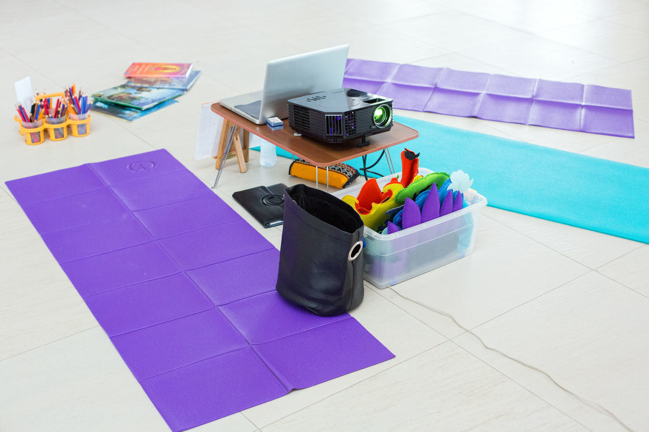Yoga Session Coaching No People Still Life Teaching Variation Yoga Yoga Mat Yoga Session