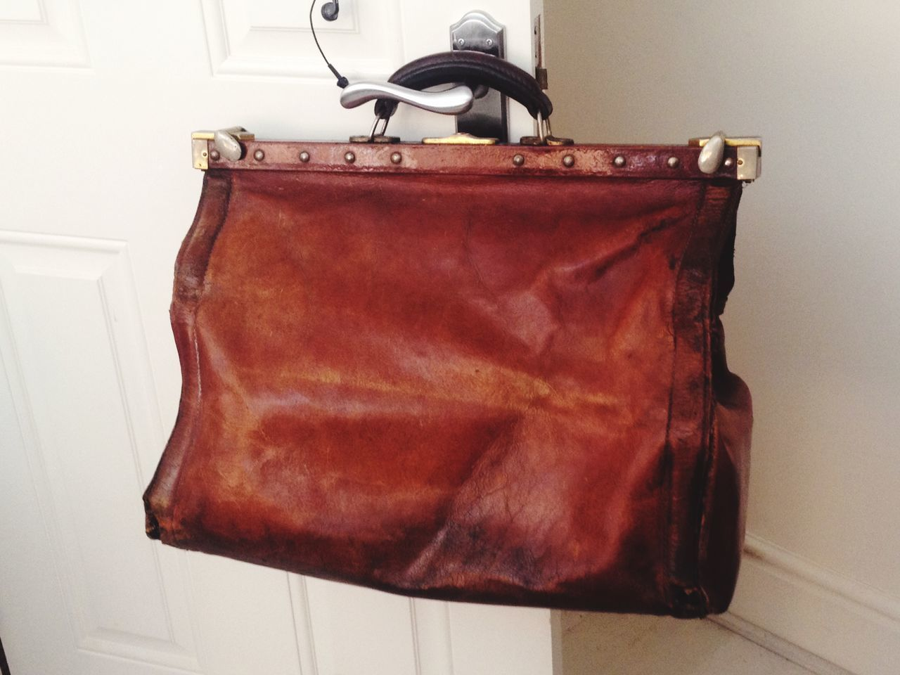 Old brown leather Gladstone bag Leather Bag Gladstone