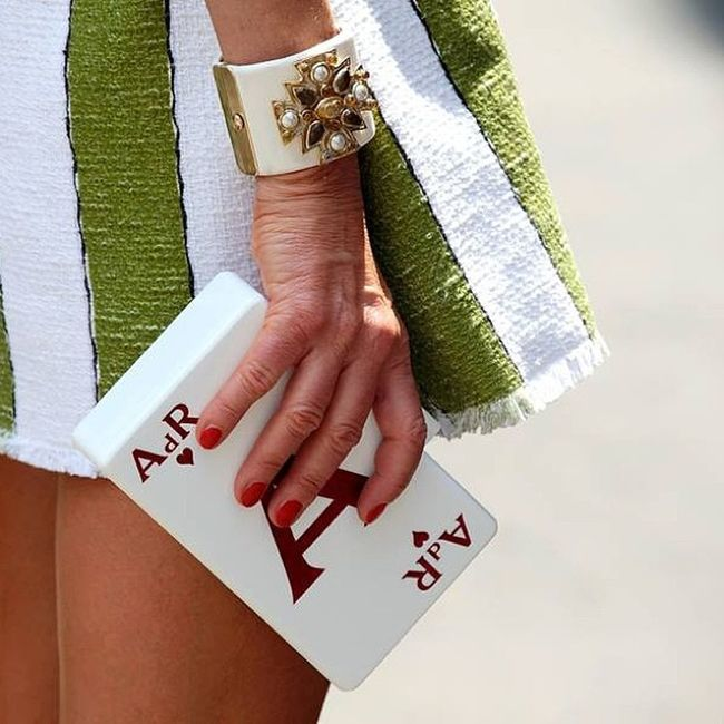 A close up at @anna_dello_russo custom made only for the Queen of @voguejapan AnnadelloRusso ADR Mmfw Uraniagazelli uraniagazelliforadr custommadeclutch customclutch onlyforadr initials gouraniagazelliorgohome queenanna queenadr handmade madeingreece madewithlove trendalert trend fashion fashionalert fashionweek milan fashionista clutchcrush voguetalents voguenippon voguejapan