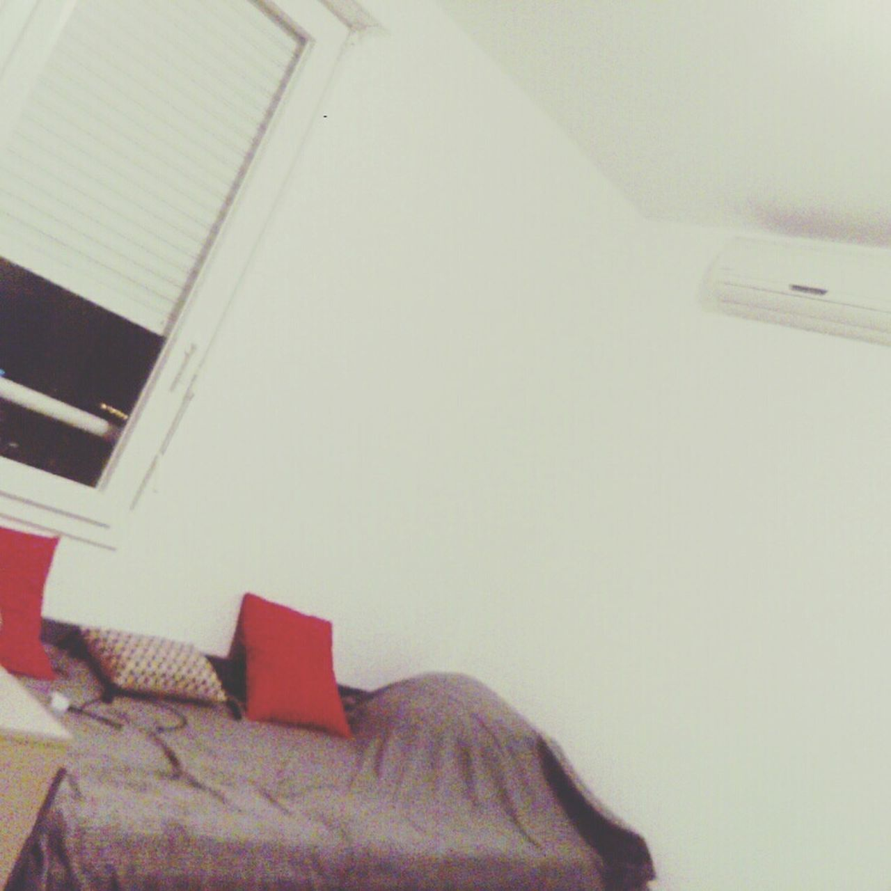 indoors, home interior, low angle view, bed, no people, bedroom, day, close-up