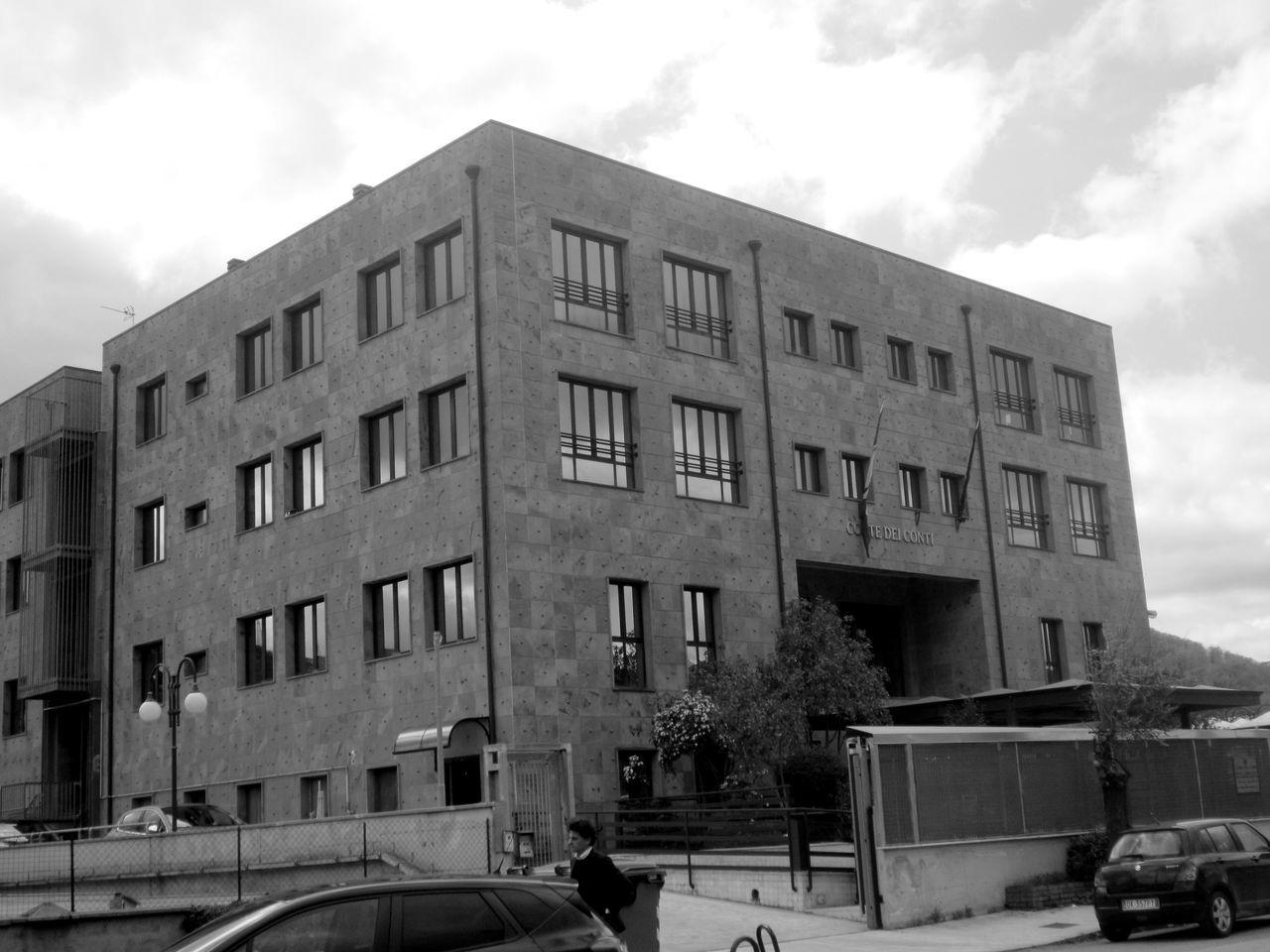#architecture #basilicata #binari #Black&White #blackandwhite #fotobiancoenero #fotobianconero #bianco&nero #potenza #potenzainferiore #urbanphotography #vialedelbasento