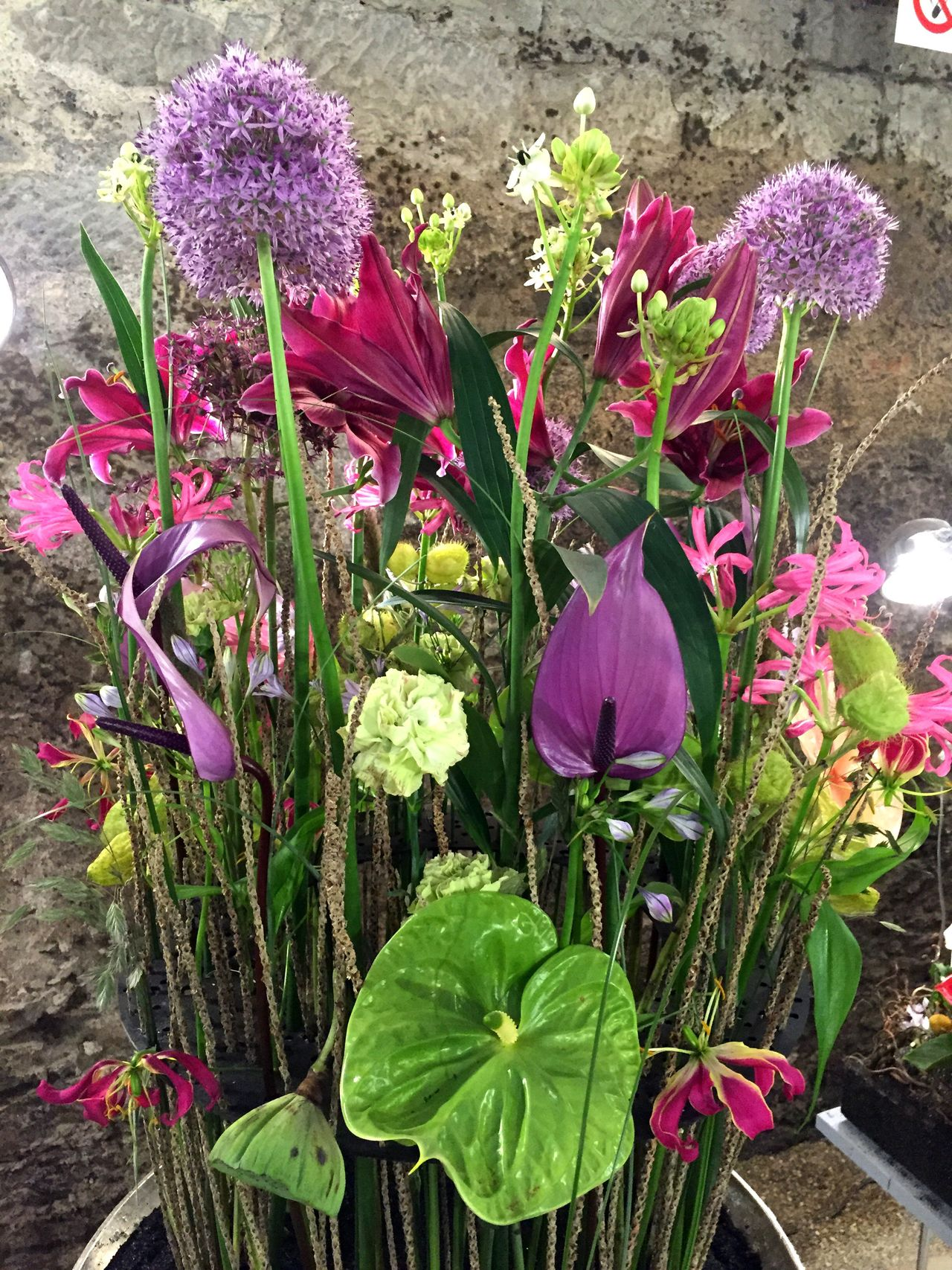 Flower decoration Flower Fragility Freshness Petal Beauty In Nature Nature Growth Plant Flower Head Blooming Purple Pink Color High Angle View Green Color No People Outdoors Day Close-up Crocus Flower Arrangement Valentine's Day  Bouquet Plant