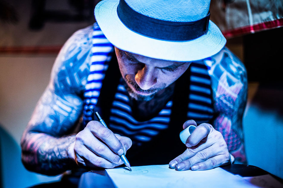 Adult Amazing Bar Blue Blue Light Canon Drawing Drawings Front View Hat Hats Light And Shadows Men Nikon Pencil Pencil Drawing People Photography Portrait Portrait Photography Tattoo Tattoo Shop Tattooed Tattoos Tattooshop EyeEmNewHere EyeEmNewHere EyeEmNewHere Resist EyeEm Diversity