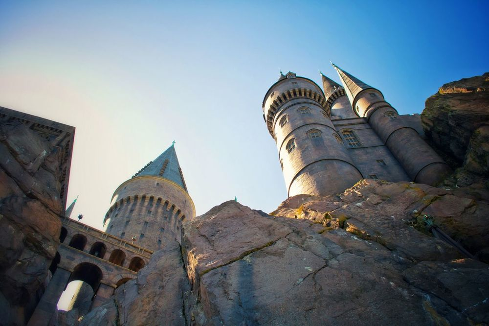 Architecture Built Structure Building Exterior Outdoors Travel Destinations Castle Wizarding World Of Harry Potter Architecture Wizard Travel Photography Orlando Florida USAtrip Miracle Fantasy Rooftop Roof
