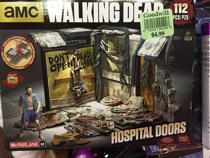 My very first Walking Dead building set. Found it at the Goodwill and it was free! I had a $5 coupon😊 Ata_dreadnoughts Walkingdead Horror Mcfarlanetoys Deadinside  Runforyourlife Goodwill Goodwillfind Toyhaul