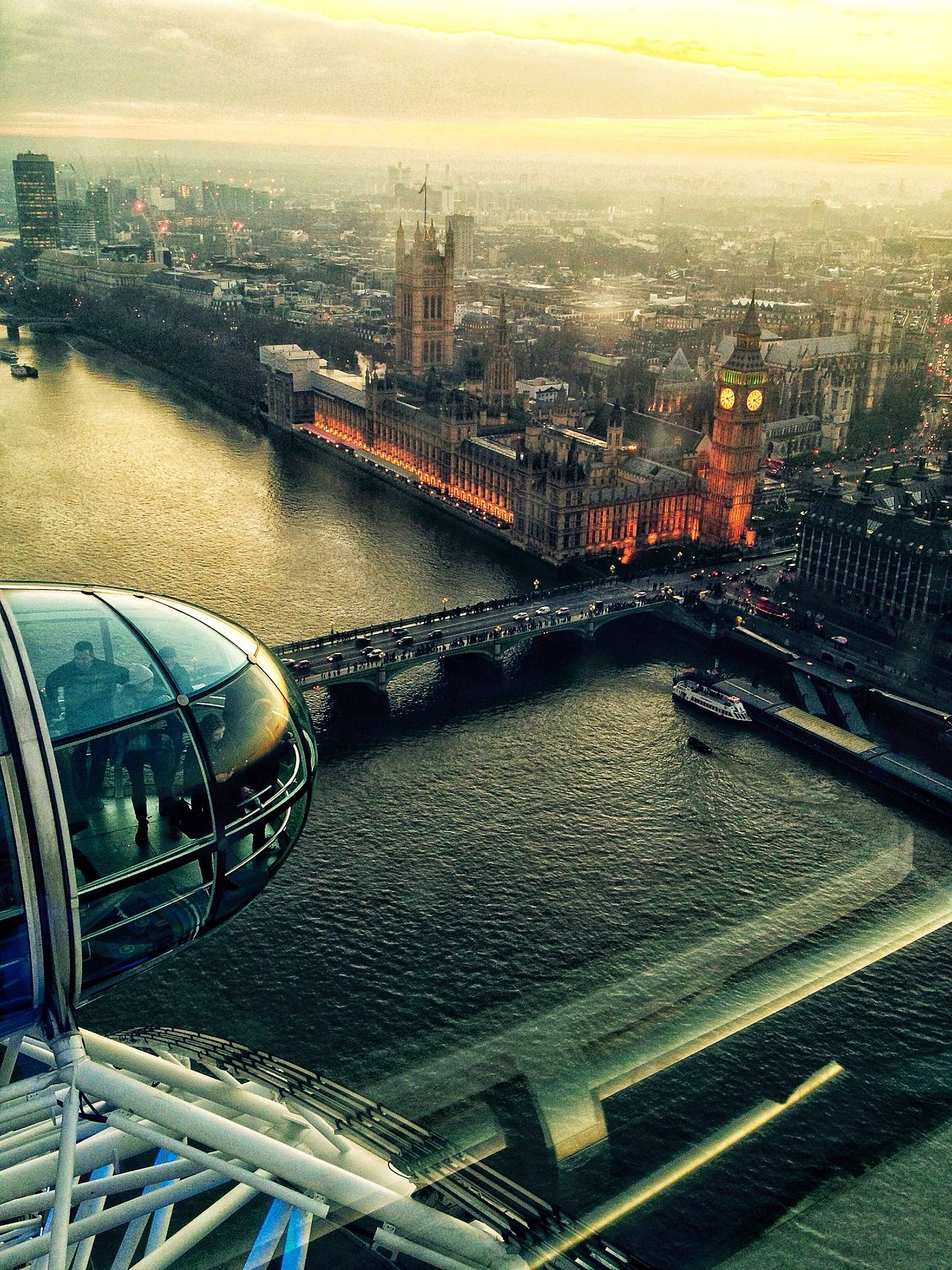 Big Ben From Londoneye Being A Tourist Sightseeing Travelling The Human Condition I Love My City Capture The Moment Photos That Will Restore Your Faith In Humanity Seeing The Sights The Tourist Urban Spring Fever Photography In Motion Landscapes With WhiteWall Showing Imperfection