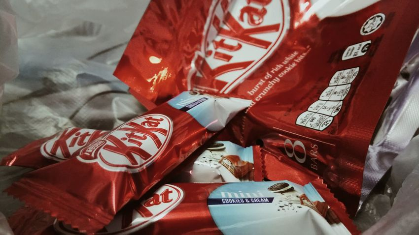Kitkat! Close-up Red Chocolate Cookies🍪 Cream Crunchy