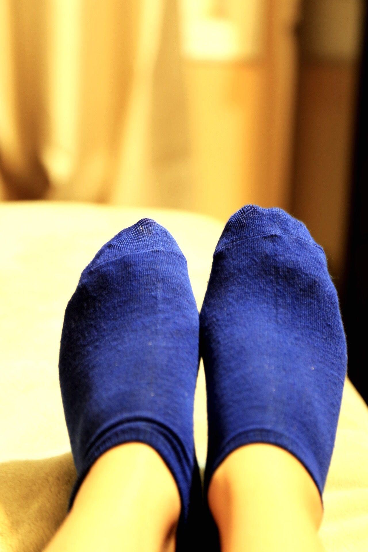 Relaxing! Socks Relaxing Relaxing Moments Bluesocks Bluefeet Blue Feelingblue Comfortable