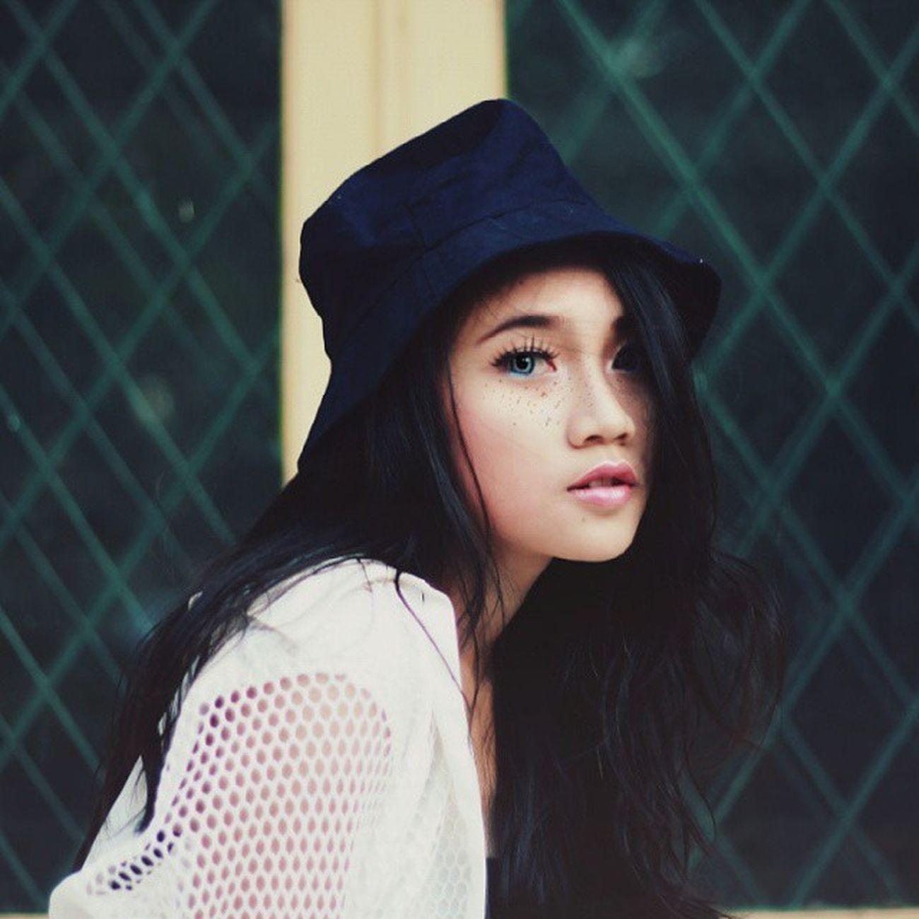 Model : @resha.destriani 2instagood 2instagoodportraitlove Ftwotww Ftwotw Rifqimlphoto Pixelphotography Portraits