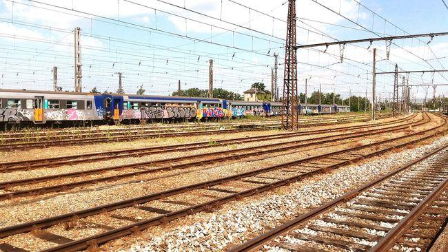 Train Station Trainconvoi Taking Photos Enjoying Life Exterior Ways