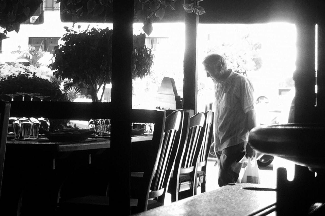 IPhone AMPt - Street Walking Around Streettogs Flaneur Street Life IPhoneography Streetphotography Blackandwhite Monochrome Blancoynegro Street NEM Black&white Streetphotography_bw Streetphoto_bw City Iphoneonly