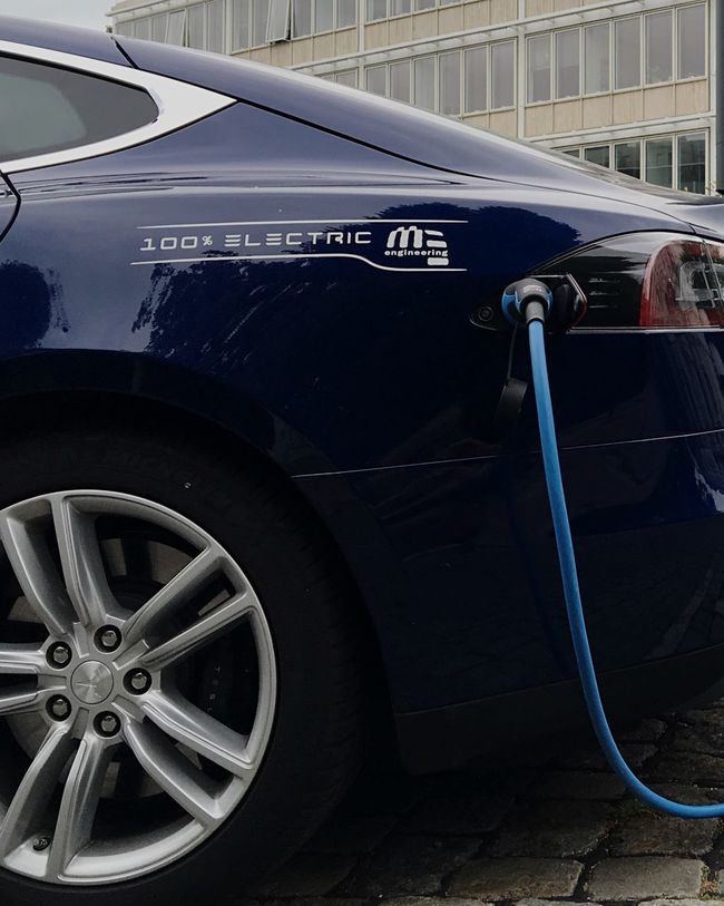 Tesla Teslamotors Electricity  Electric Car Electric Alternative Energy Alternative Refill Refilling The Tank! Reload Electric Vehicle Electric Dreams Car Cars Tesla Model S Sedan Tesla Model S Tesla Charging Station Charging Electric Car Charging Regenerative Power