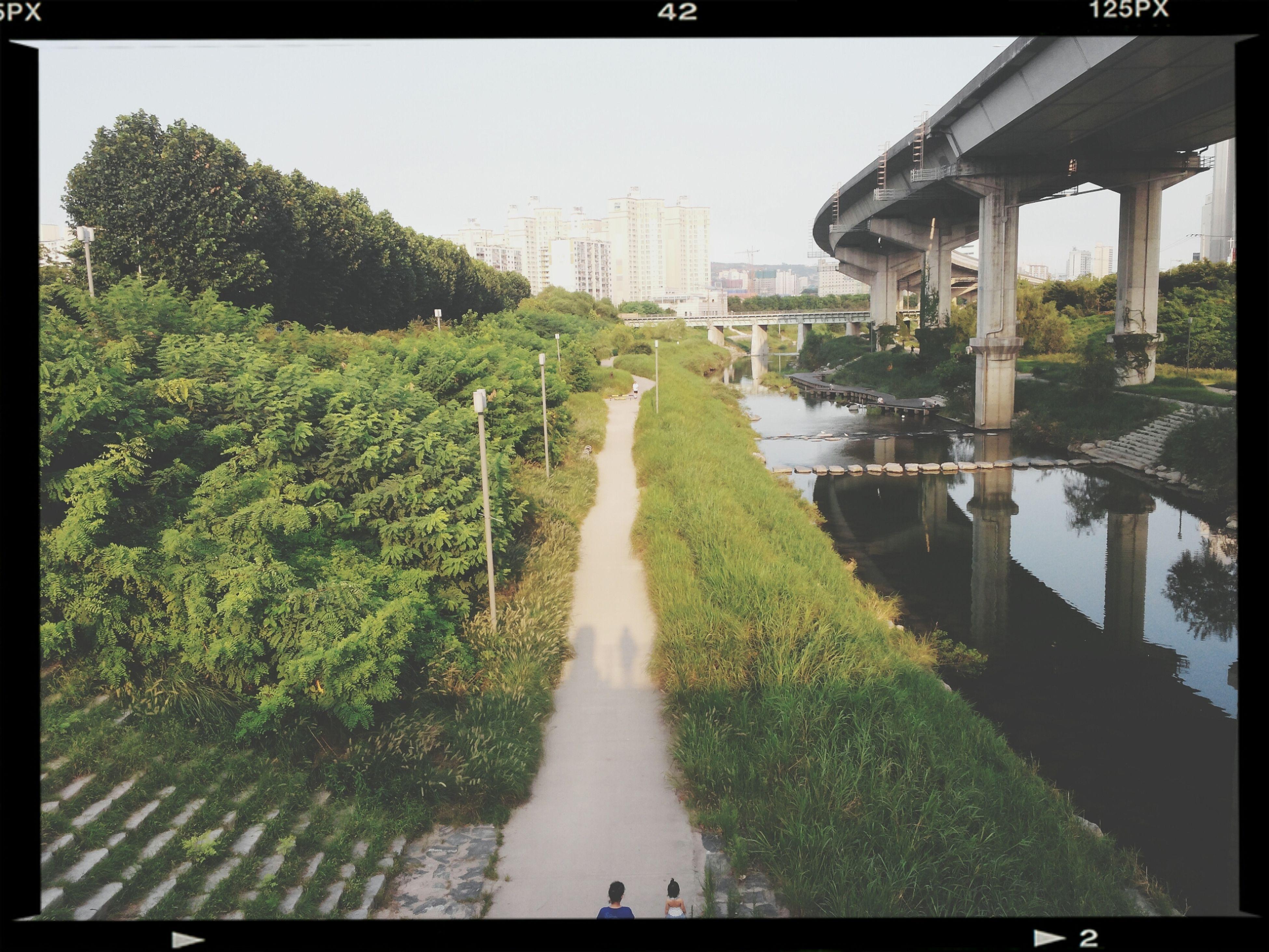 왕십리에서 집가는길에 있는 이름모를 한강까지 이어지는 강..^^