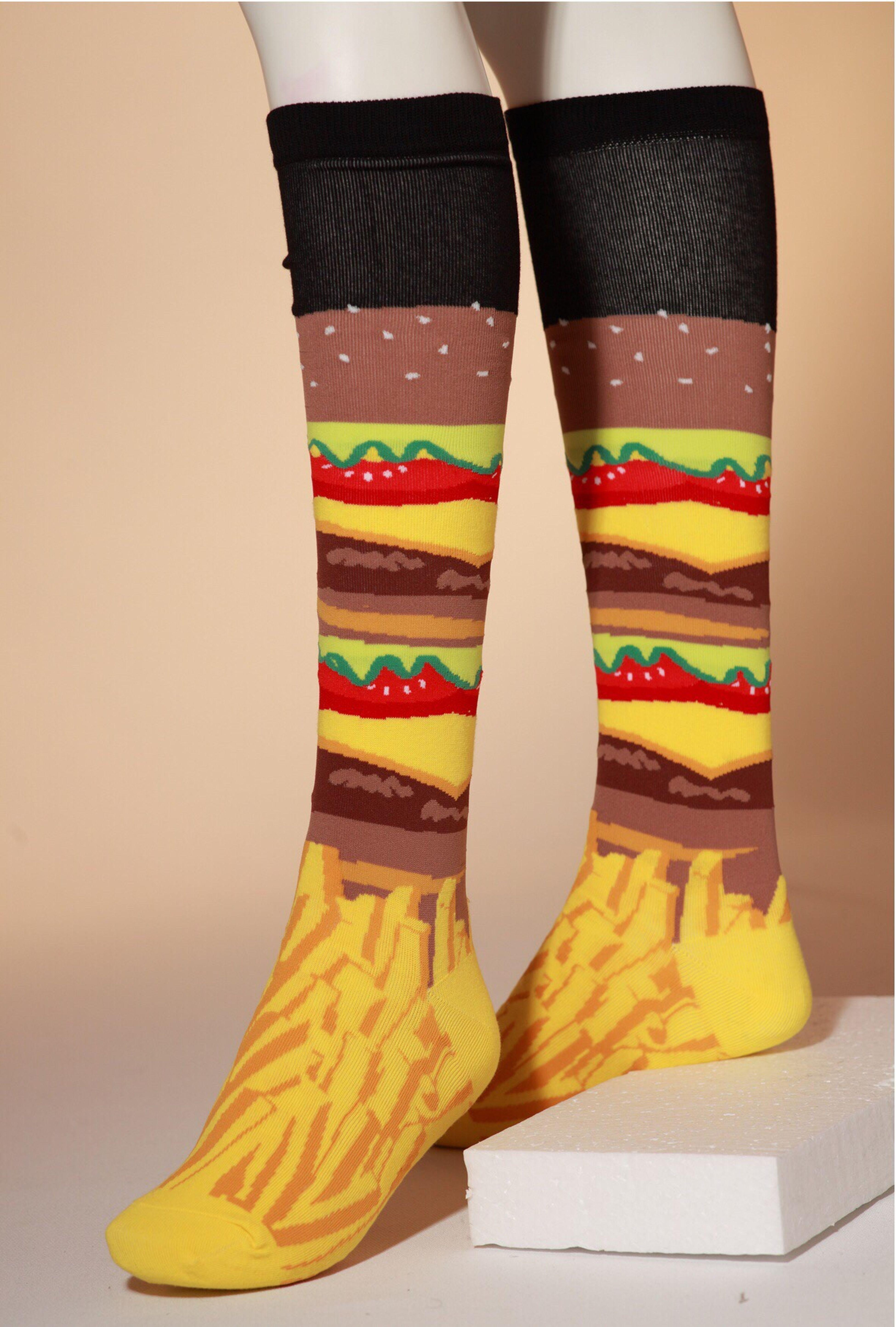 マクドナルドで募金していただいてきた靴下はボーダー、これは正真正銘のハンバーガーとポテトのハイソックス。美味しそう?ですけどこの靴下は食べられません。食べられる靴下なんて無いんですけどね。 ¥2,000+税 K bell #ぽこあぽこ #ポコアポコ #ソックス #socks #pocoapoco