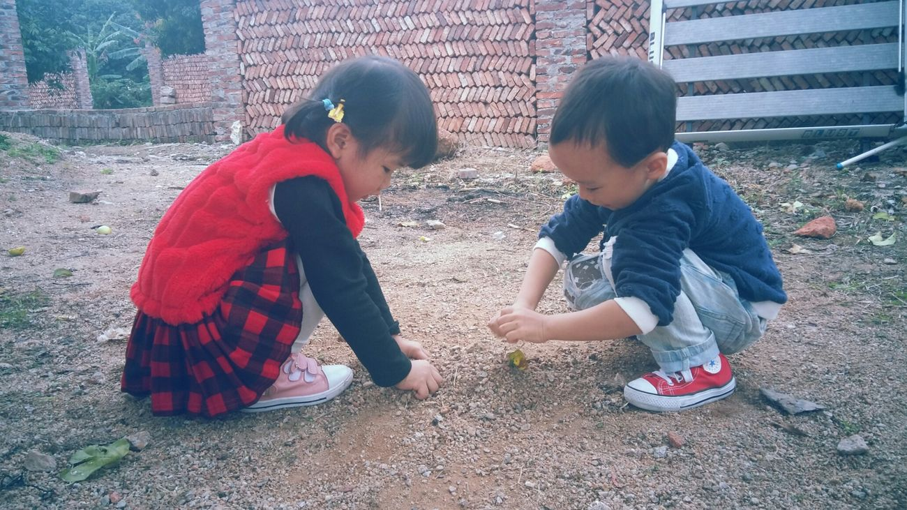 Intimacy of Childhood Child Childhood Two People Boys Grils Togetherness Playing Fun Touching Outdoors Freshness Nature Countryside - Zhuhai China
