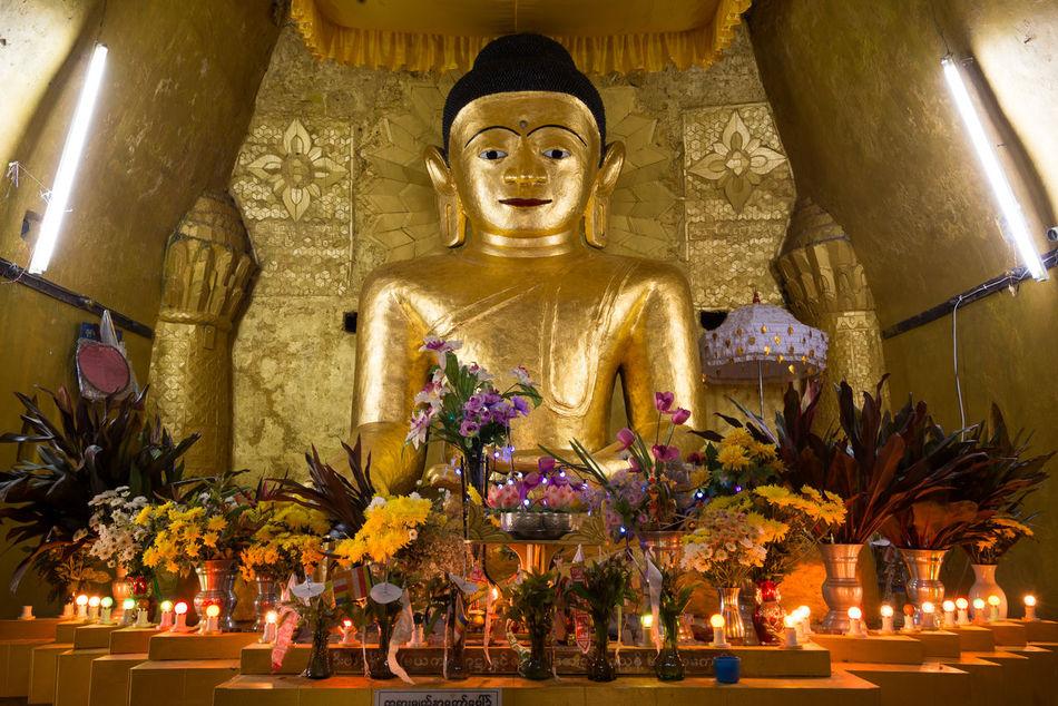 Myanmar Budist Tempel Buddha Holy Sites Mrauk-U No People Golden
