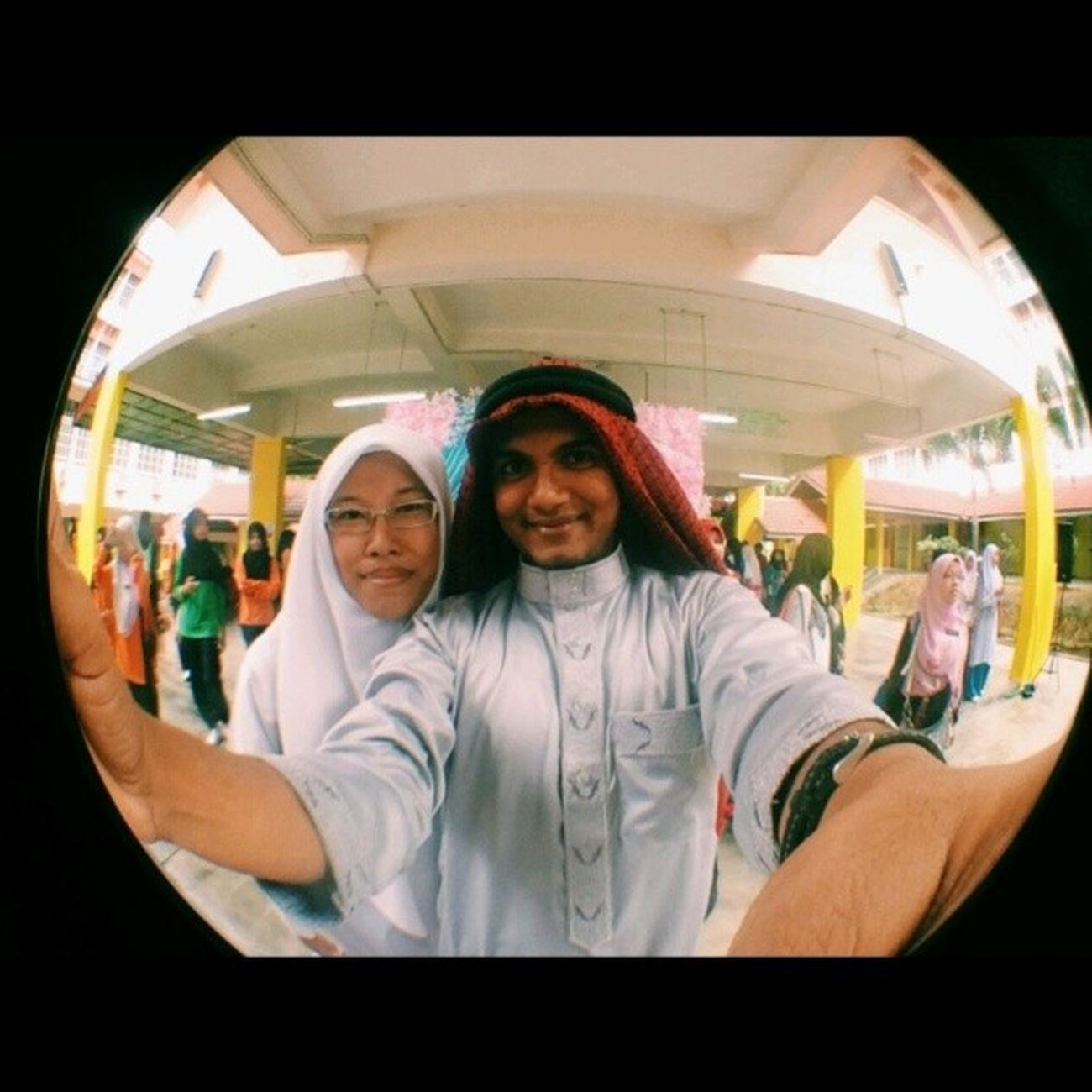 Throwback Selfie with Pak Arab @jegasuppiah ^^ Teacher's Day Celebrations . ArabianFashionStyle Arabiannight ArabianTheme PakArab TeacherDay