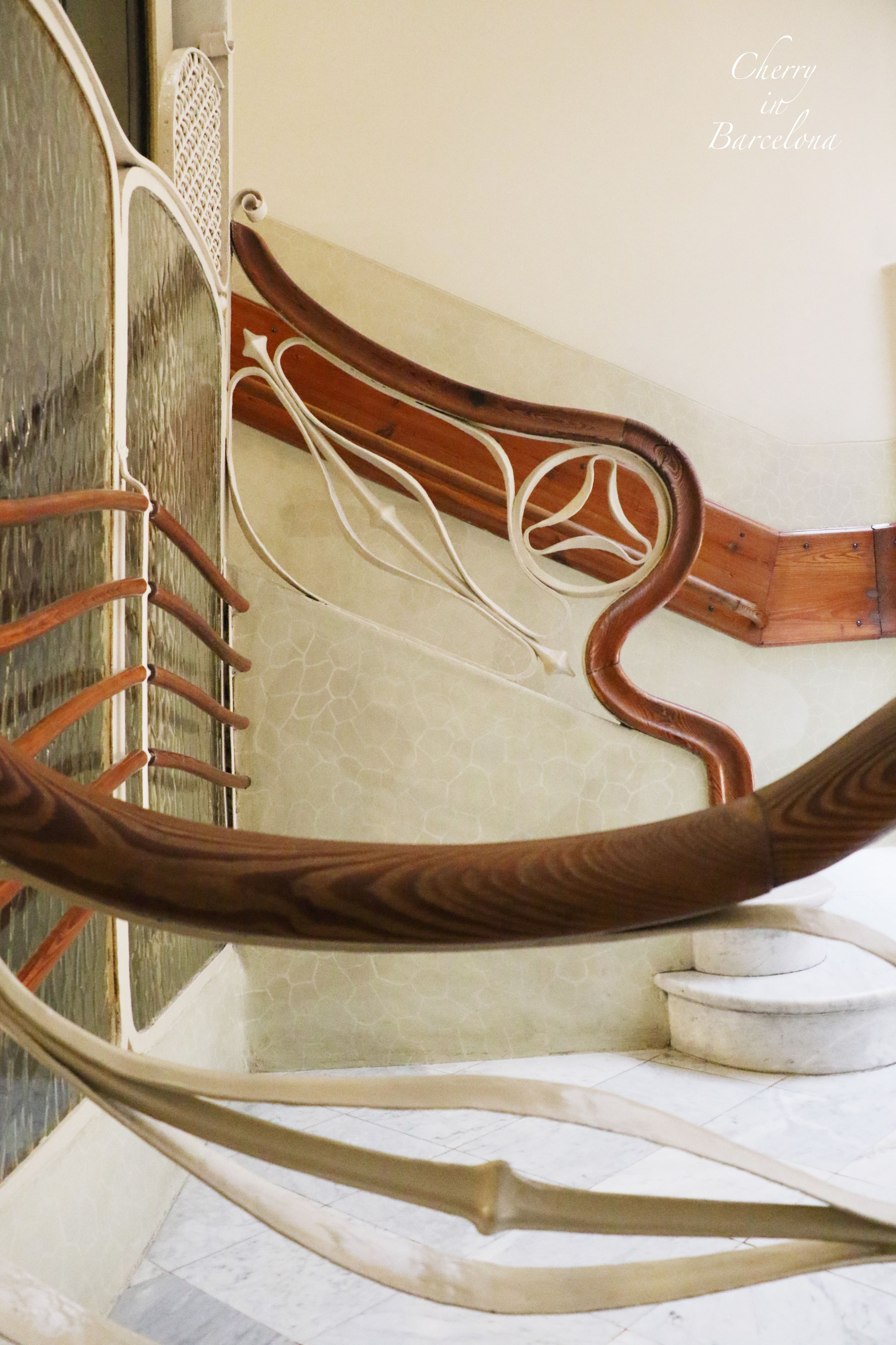 railing, design, architecture, built structure, pattern, steps, indoors, staircase, steps and staircases, spiral, building exterior, chair, metal, close-up, no people, empty, repetition, curve, in a row, day