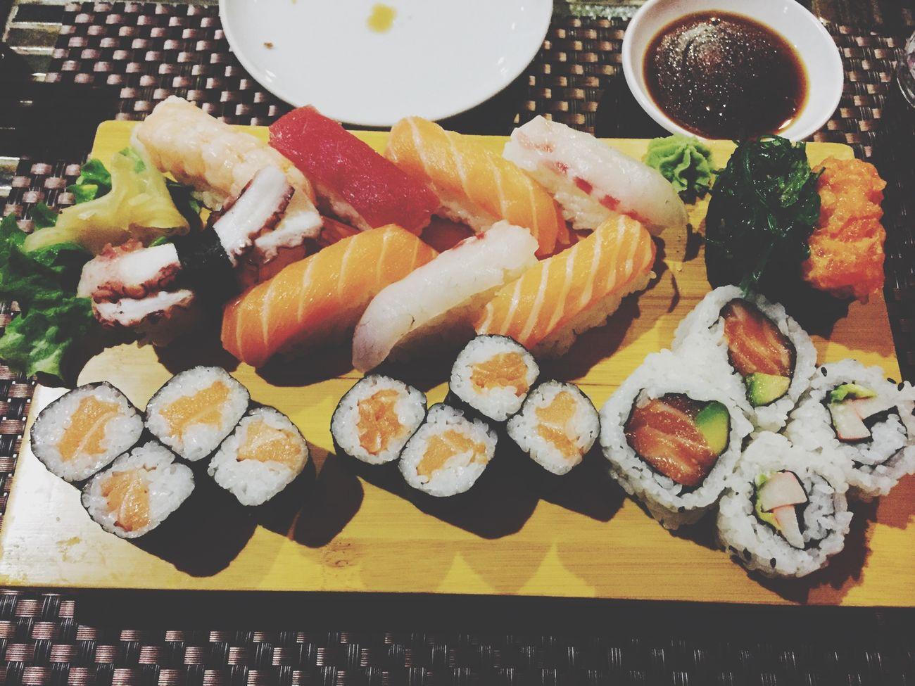 Sushi Time Tonight❤ Sushilover Taking Photos Enjoy Eating My Bestfriend Hello World Sushitime Sushiporn