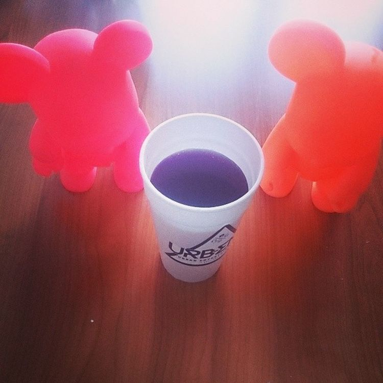 The purple drink Uva JuGo Fon Urbent Activo toys urbantoys urbandrinks dinner realniggaz
