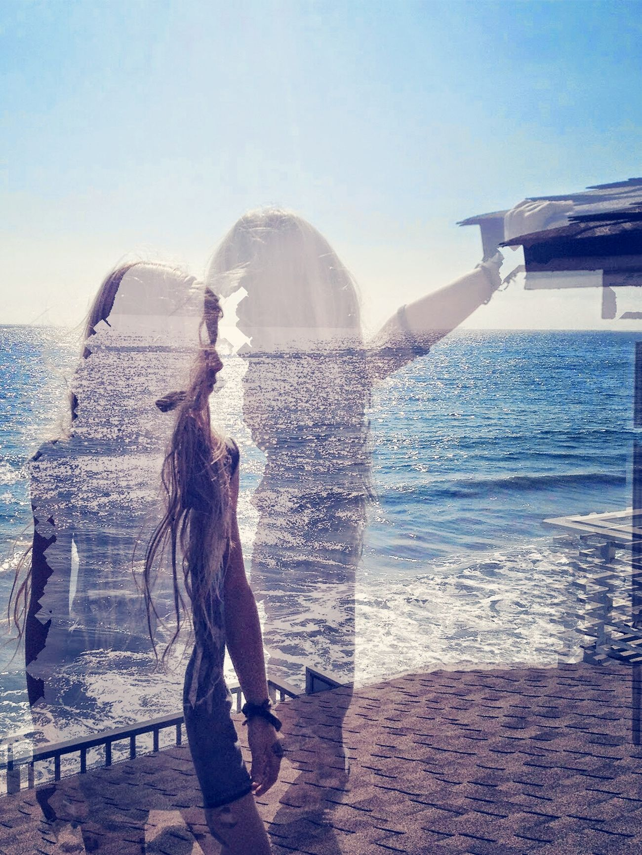Urban escapes Shhh, to the sound of the waves reaching the ground. There, every view of the body's senses is full of stimuli. They overpower the spirit, removing all sense of worry or fear. My beachfront escape.. Authentic Moments Enjoying Life Beautiful Light Maximum Closeness