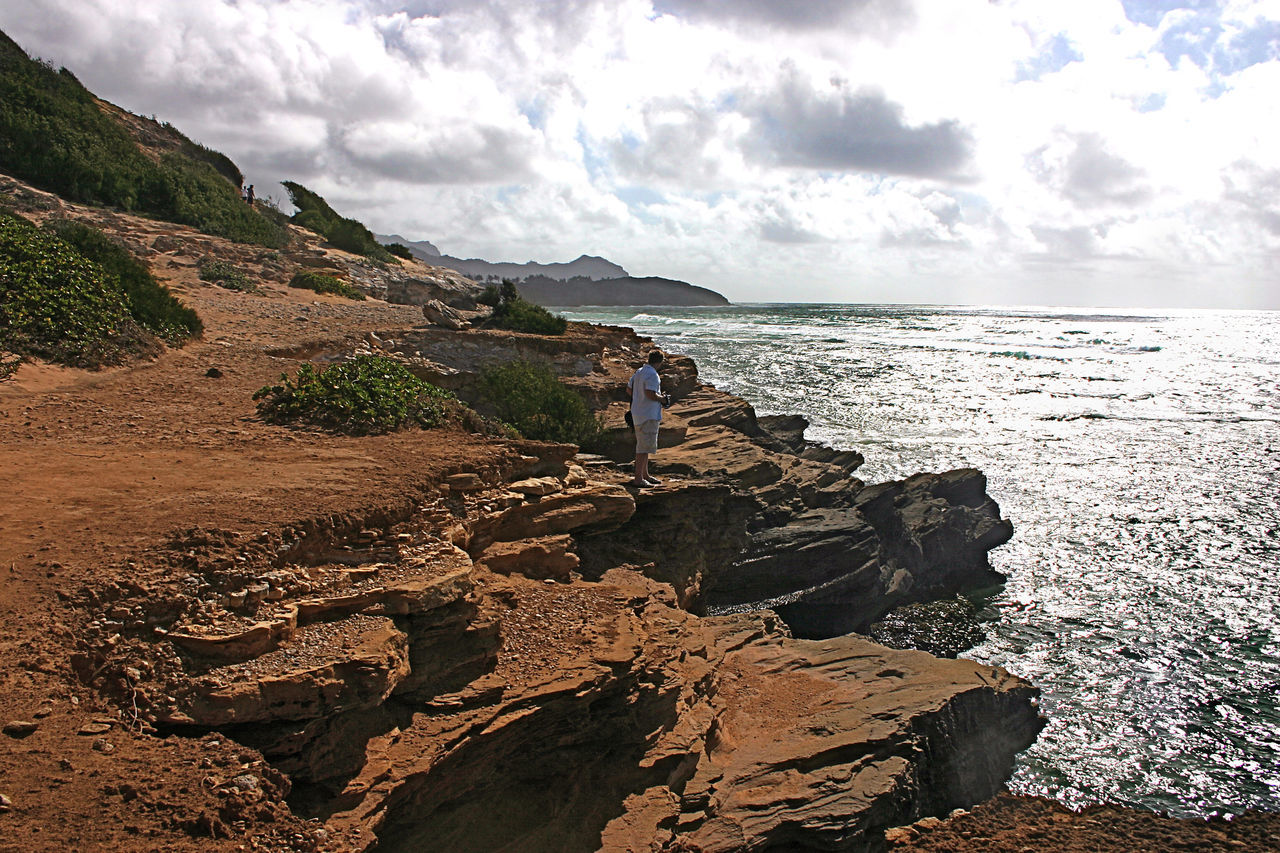 Adult Adults Only Cloud - Sky Day Hiking Kauai Hawaii Nature Outdoors Pacific Ocean People Rock - Object Rocky Coastline Scenics Sky Two People