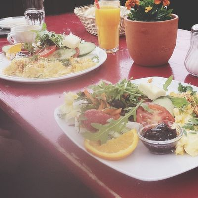 Huge breakfast at Zimt & Mehl by Danielle Reid