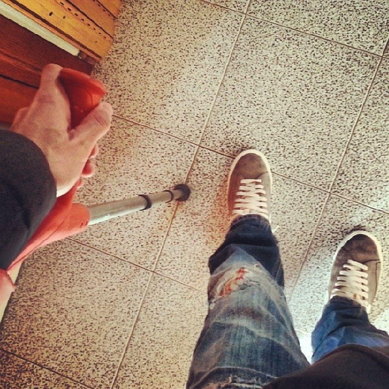 Trova l'intruso!!! Instagram Stampelle Collateralemediale Rotto ciao ginocchio new miao annonuovodimerda