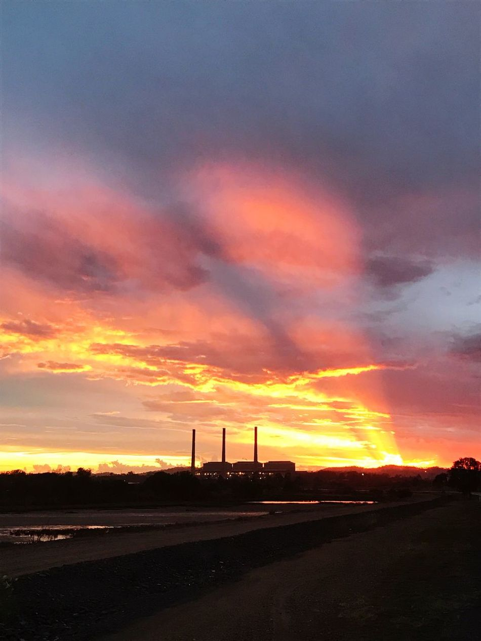 Man V Natural Energy Sunset Fuel And Power Generation Coal Power Plant Industry Sky Landscape Aussie_lumberjack Beauty In Nature Gladstone Scenics Electricty