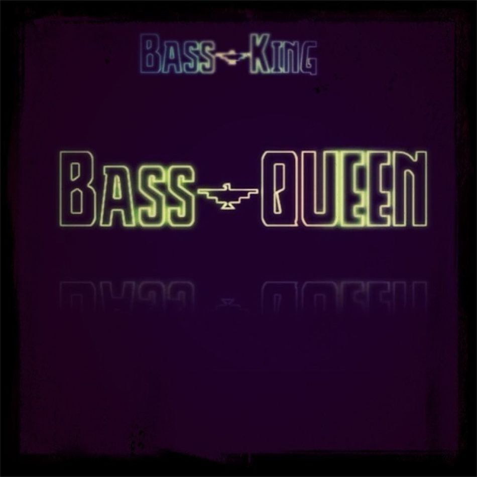 Bass-Queen On Te Beat.