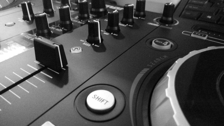 Music Sound Recording Equipment Technology Sound Mixer Indoors  Eyeem Photography Black & White EyeEm Phillipines EyeEm Gallery Turn Table