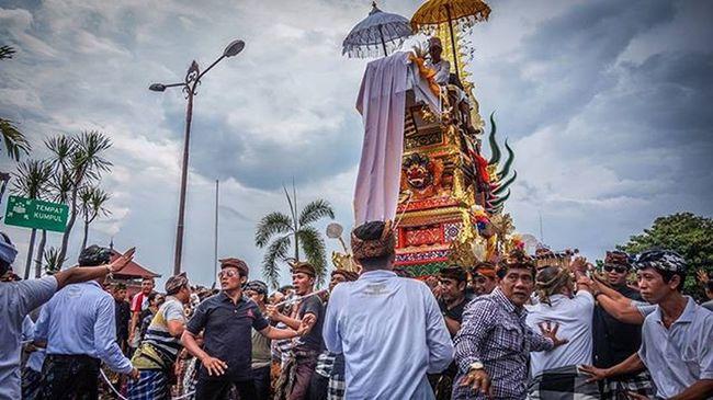 Bali Cremationceremony Ilce5000 Sony