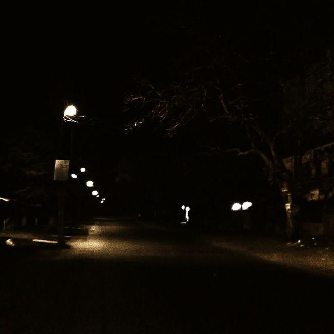 The never ending dark. Randomshot Dark Streetphotography Night Lights