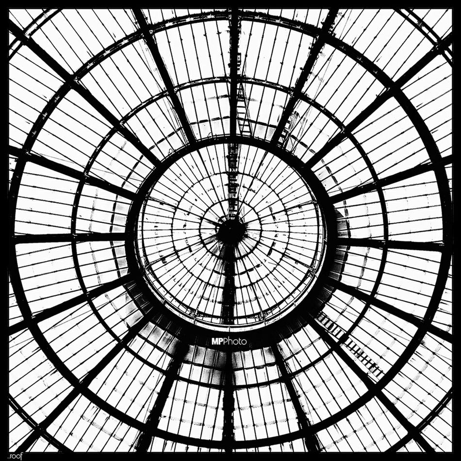 .. roof .. Streetphoto_bw Eye4black&white  EyeEm Best Shots - Black + White Eye4photography  Bw_collection Black & White Architecture_bw