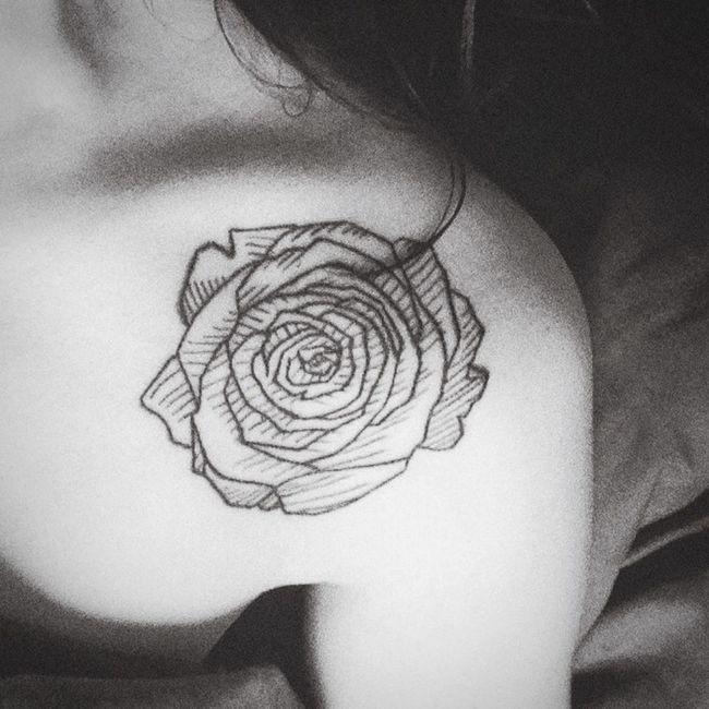 Tattoo Rose🌹 Tatouage