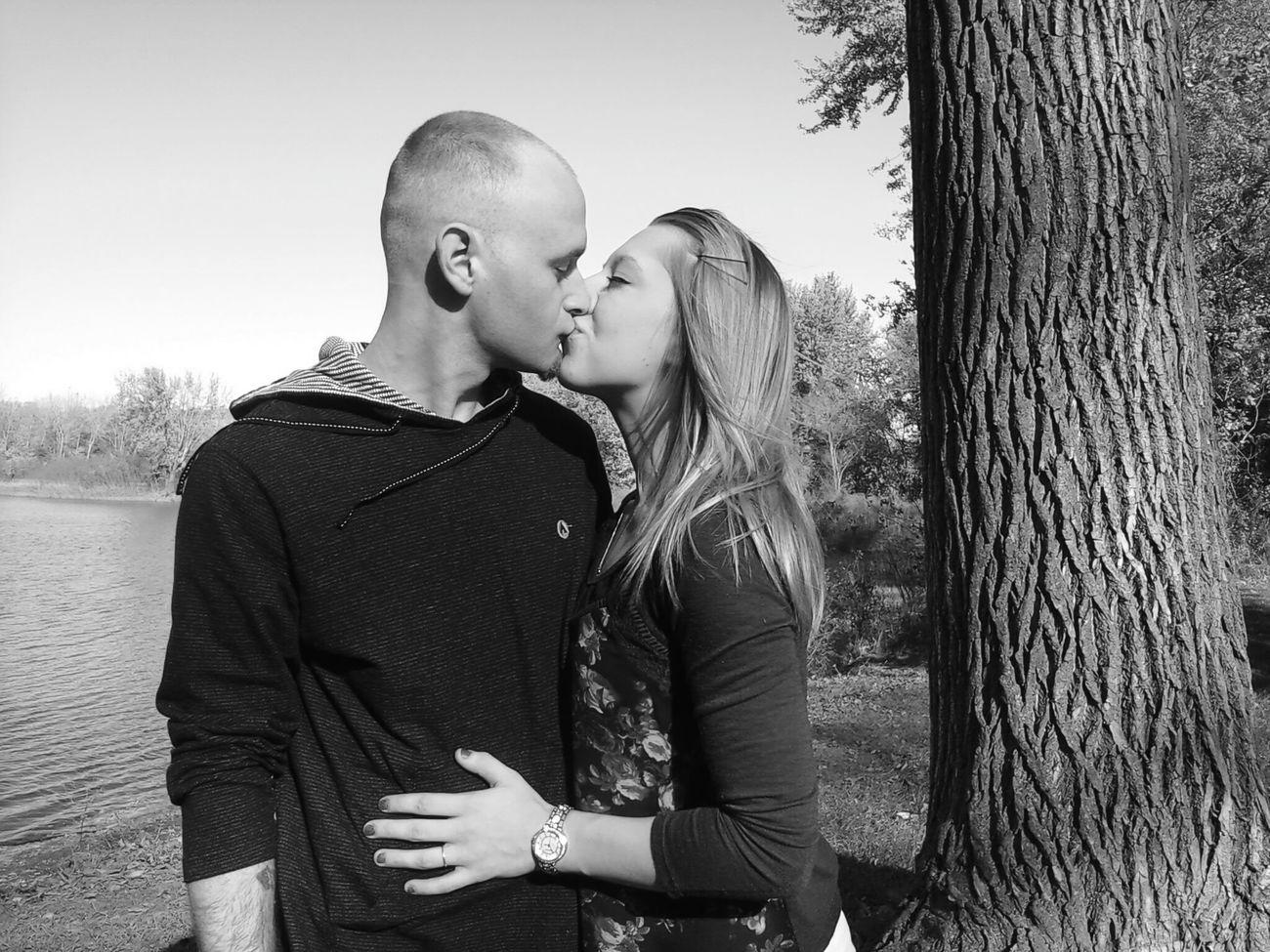 Loveisintheair😍💜😍💜🌸💎😊💜 Couple In Love Couple Photography blacknwhitephoto